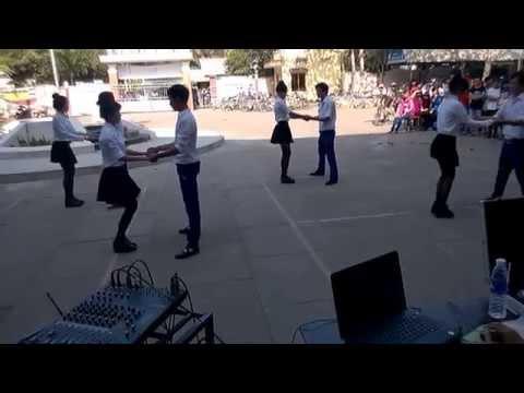 Khiêu vũ chachacha THPT Phan Văn Trị