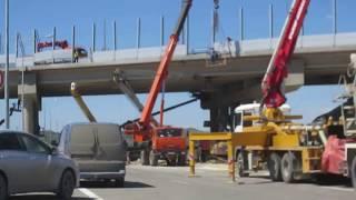 Neue Strasse ueber die Autobahn der Krimbruecke in Kertsch