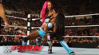 Sasha Banks vs. Naomi: Raw, February 22, 2016