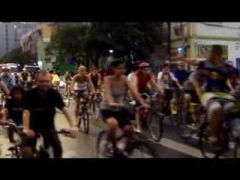 Driver Runs Over Group Of Cyclists During A Marathon!