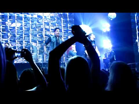 Don't Stop Believing - Idols tour Boston - Adam Lambert, Kris Allen