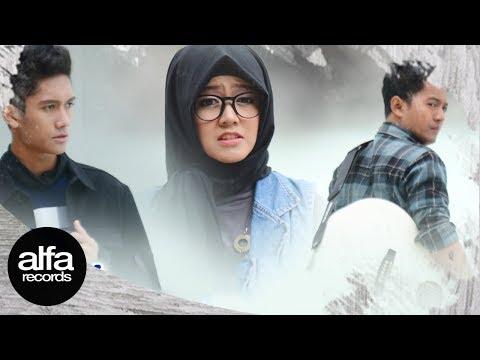 Amaira Helve feat Ram - Jangan Sesali (Official Music Video)