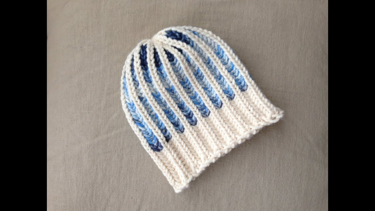 Brioche Knitting Tutorial : Bicolor brioche stitch hat tutorial loom knitting doovi