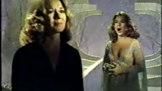VIKKI CARR (Live) - Make It Easy On Yourself / Knowing When To Leave