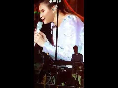 Konser Rossa Tegar 2.0 Dibandung, Aku Bukan Untukmu
