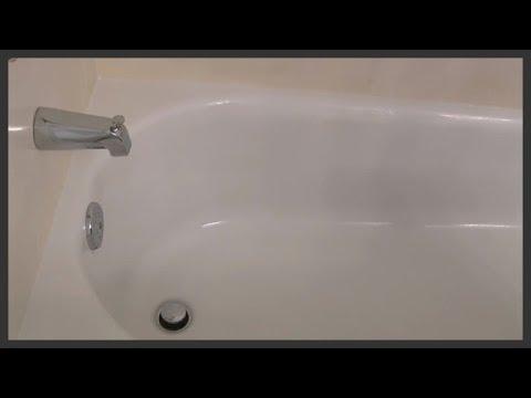 Cleaning the bathtub