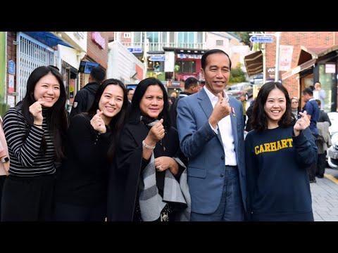 presiden-jokowi-mengunjungi-'desa-budaya'-gamcheon-culture-village,-busan,-24-november-2019