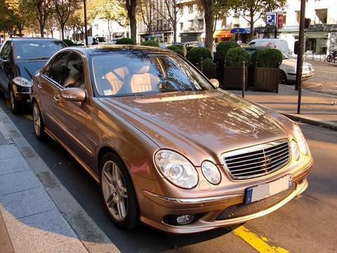 golden mercedes benz e55 amg youtube. Black Bedroom Furniture Sets. Home Design Ideas