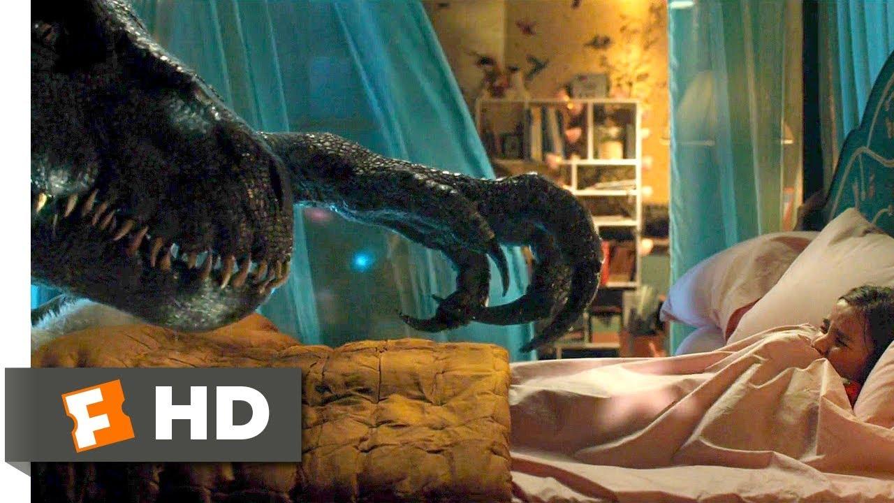 Download Jurassic World: Fallen Kingdom (2018) - Indoraptor vs. Blue Scene (8/10) | Movieclips