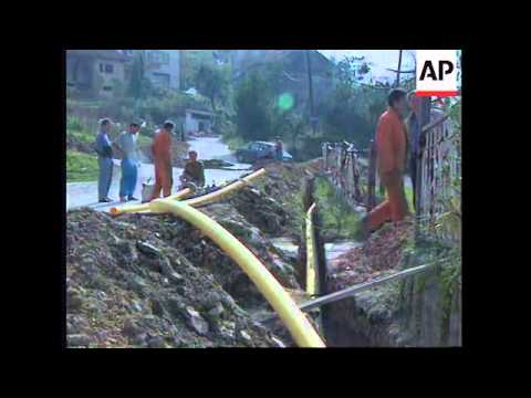BOSNIA : FUEL, WATER AND ELECTRICITY RECONNECTED IN SAREJEVO