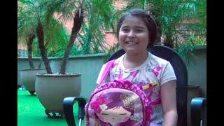 Esta niña de diez años carga su corazón en un bolsito rosado | Noticias Caracol