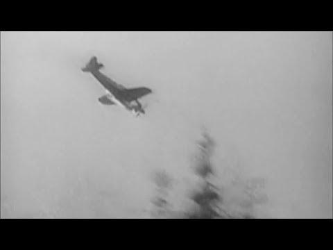 WW2 - Kamikaze Attacks [Real Footage]