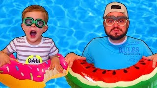 Play Game on Water Park For Kids | Swimming Song | by Mirik Yarik and Papa