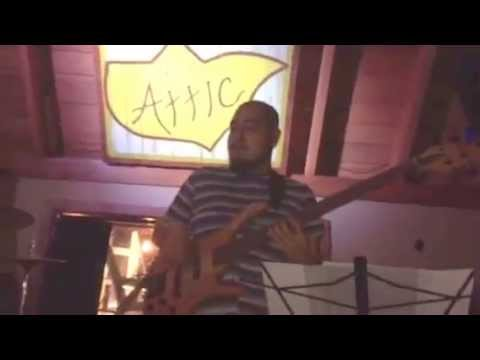 Micki Hanses - Black and Gold (Cover) Live at The Attic