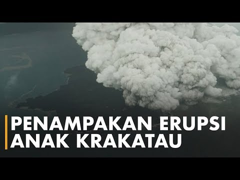 Penampakan Anak Krakatau sedang Erupsi dari Atas