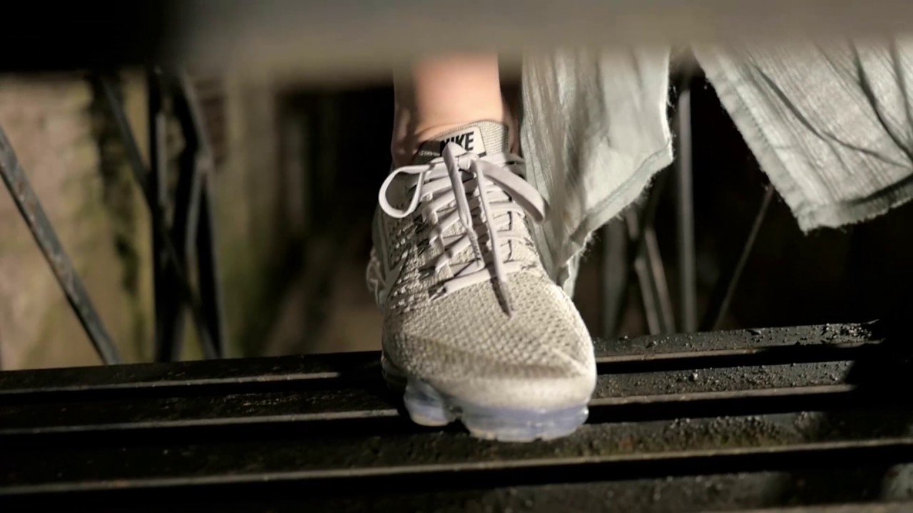 323b8ad1c872a Nike Air VaporMax Flyknit Pale Grey UNheardof - YouTube