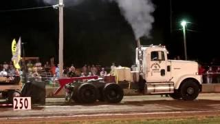 Truck & Tractor Pull 2016