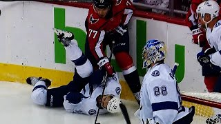 Oshie's massive hit puts Paquette flat on his back
