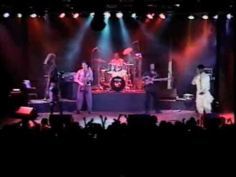 "El General ""Live""- Som Bow/Tu Pum Pum"