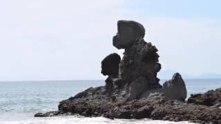 海水浴場で有名な場所ですが、奇岩もいくつかあり、シーズンオフでも楽...