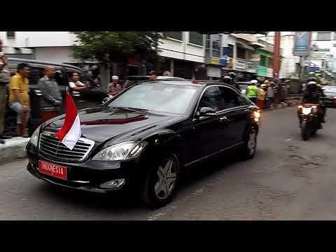 Jokowi saat melintas kota Tebing Tinggi 27/11/2017
