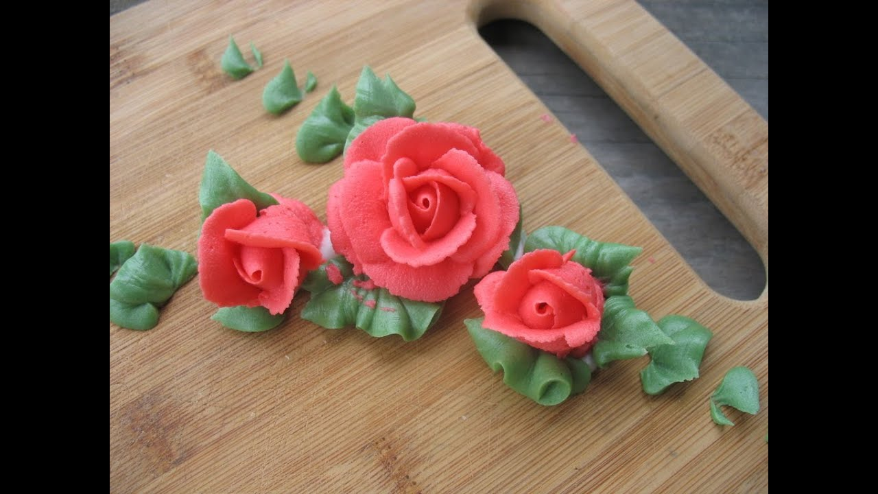 Buttercream Roses and leaves - I learned from the best ...