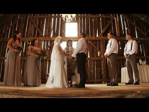 beautiful-rustic-barn-wedding