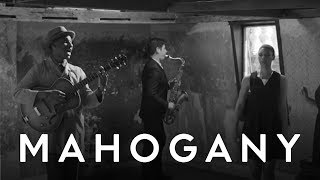 Leon Bridges - Coming Home (Live) // Mahogany Session
