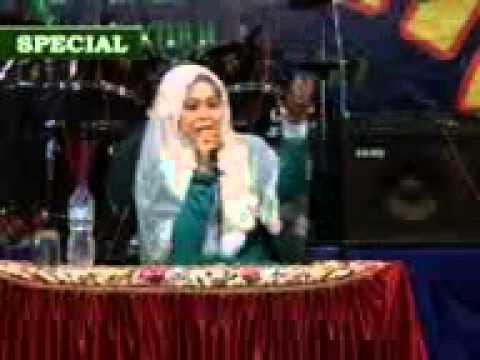 Ceramah Agama Hj. Izza Avcarina. Menyambut Tahun Baru Islam (Bhs Madura) .2012.3gp
