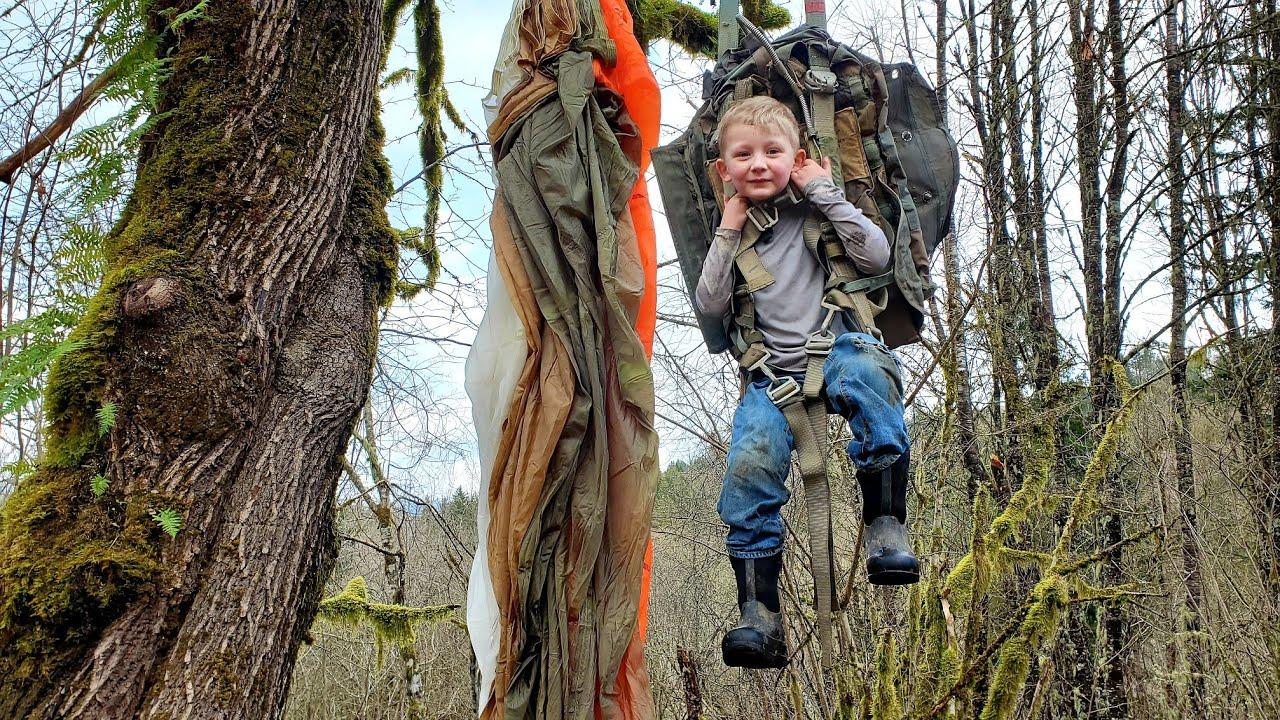 Plane Crash Survival & Bushcraft Shelter - Camping like DB Cooper
