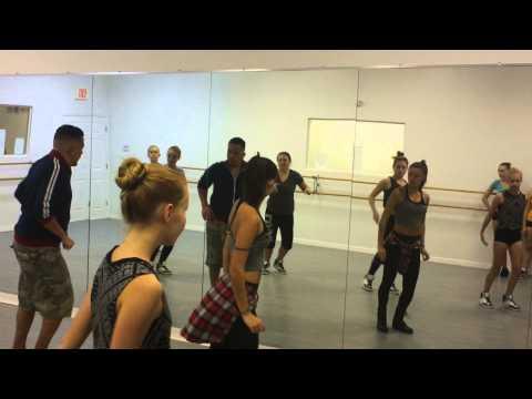 VDC Fine China Dance