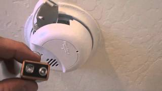 How To Change Your Smoke Detector Batteries