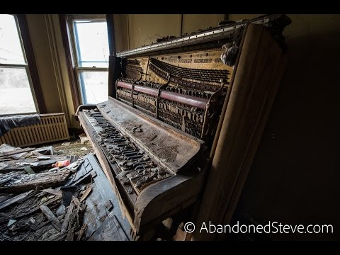 Exploring Abandoned Piano House - Pennsylvania