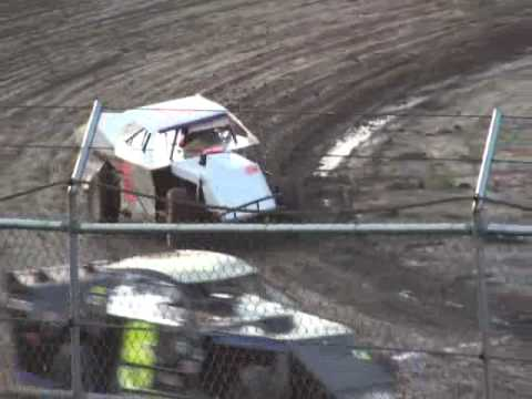 Wilmot Speedway - three wheelin' modifieds