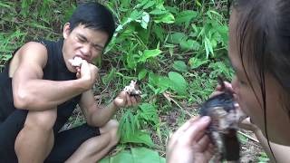 Survival skills: Primitive life catch fish for food - Yummy cooking ...