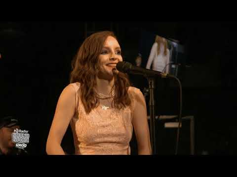 CHVRCHES  4 song acoustic performance  full show 2018