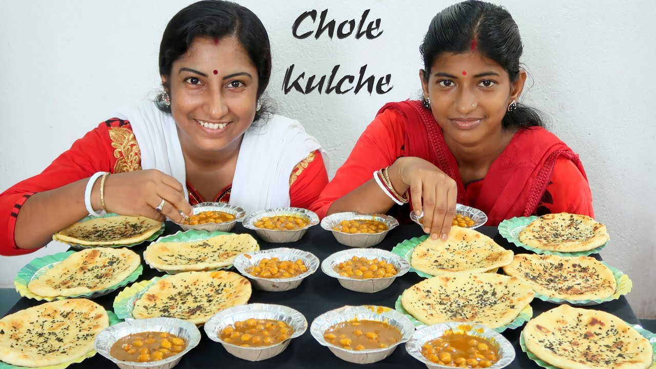 Chole Kulche Eating Challenge - Indian Food Eating Competition - Eating Show
