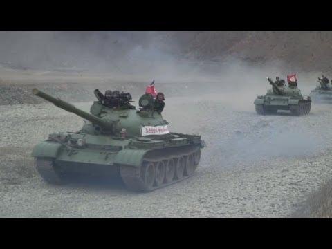 北朝鮮、異例の軍訓練公開 N. Korea military training
