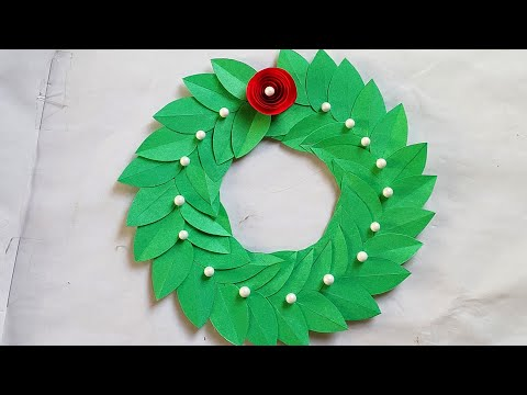 paper-wreath-for-christmas-decorations-ideas/-wall-hanging-for-christmas/-paper-crafts