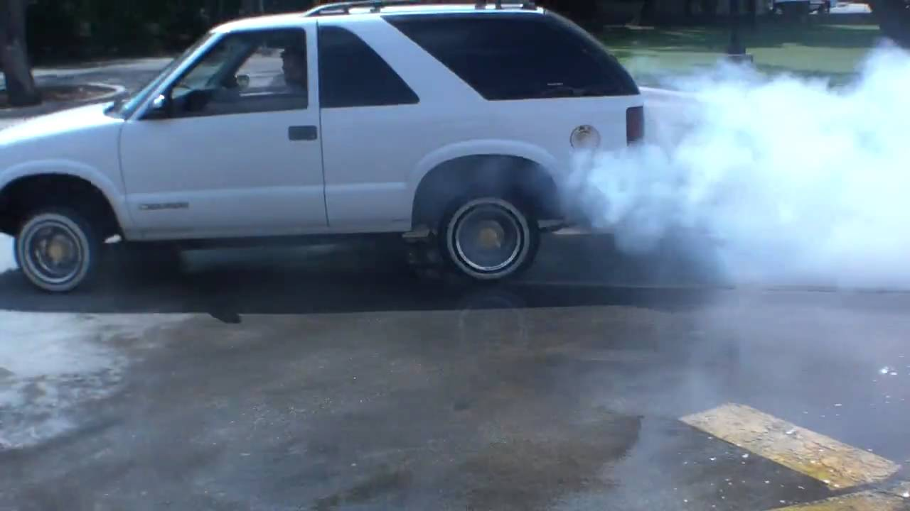 V.E.C. martins s10 blazer on daytons. - YouTube
