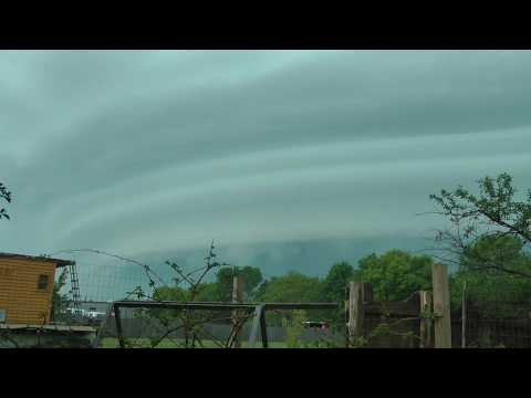 Alien Cloud Ship Over My House!