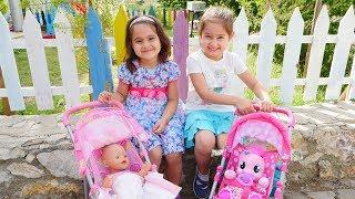Oyuncak bebek çantalarını hazırlayalım | Maşa'nın oyuncakları