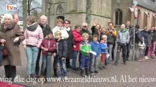 Oranje-Optocht Dalfsen 2016 - Kijk Naar Jezelf Rechterkant publiek