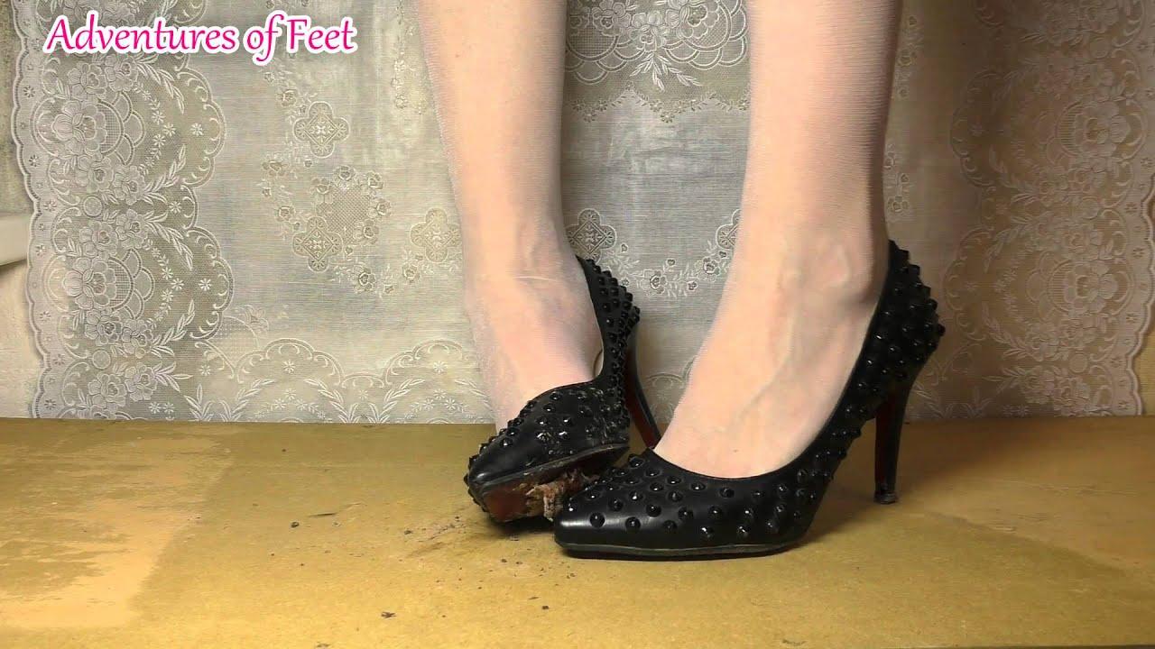 Feet crush