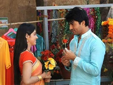 Sooraj Expresses His Love To Sandhya - Diya Aur Baati Hum