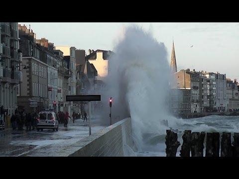 Grande marée Saint-Malo 2014 Tempête Bretagne Storm Tide Marea Sturmflut Marée du siècle 2015