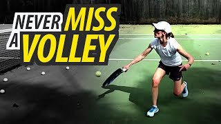 TIPS TO NEVER MISS YOUR VOLLEY | Tennis Lesson
