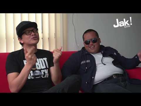 ARMAND MAULANA JADI JURI JAK FM IDOL