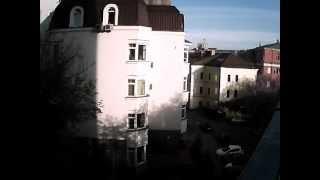 Видеозапись с P2P IP Wi-Fi камеры Zodiak (разрешение 640 на 480 пикс)(Запись с карниза дома на парковку внизу. Важно: не все камеры Zodiak можно использовать на улице, смотрите на..., 2013-08-30T04:39:52.000Z)