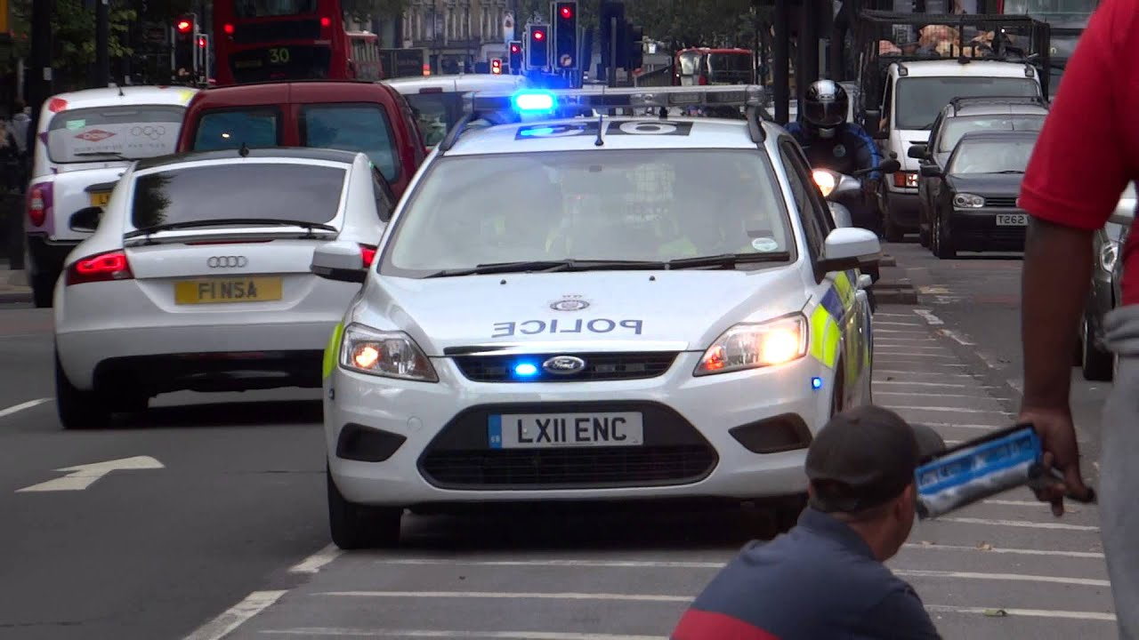 British Transport Police - Ford Focus Estate Response Vehicle On An Emergency Call - YouTube & British Transport Police - Ford Focus Estate Response Vehicle On ... markmcfarlin.com